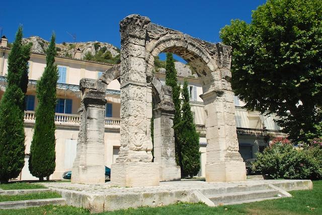 Cavaillon - достопримечательности Прованса, вокруг Русильона