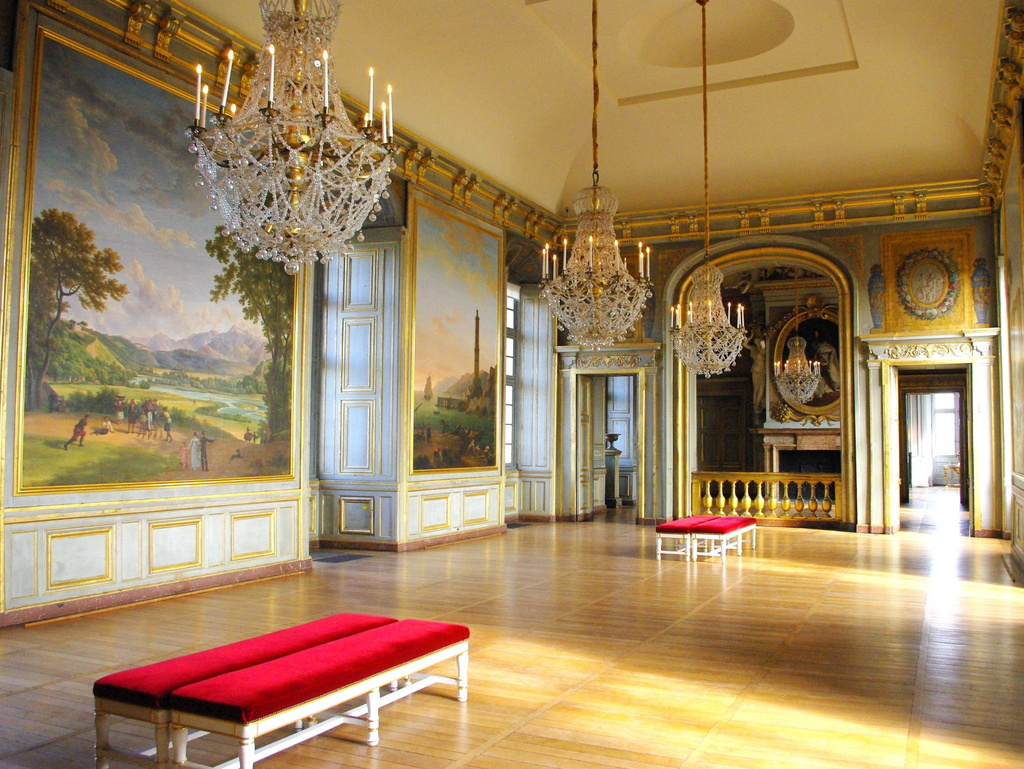 Chateau maisons laffitte interior 29 copyright french moments for Home decor maisons laffitte